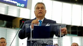 Полша ще блокира санкциите на ЕС срещу Унгария