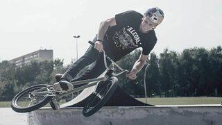Видео: Поляк пръв направи един от най-сложните трикове с маунтинбайк