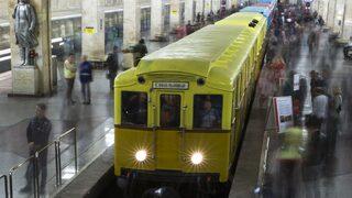 Около 1000 пътници бяха блокирани с часове в московското метро