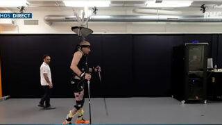 Как малък имплант помага на трима парализирани да проходят (видео)