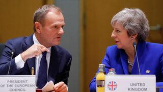 ЕС иска да помогне на Тереза Мей за Брекзит, въпросът е как, заяви Туск