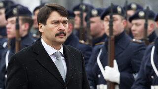 Унгарският президент подписа спорния закон, предизвикал масови протести