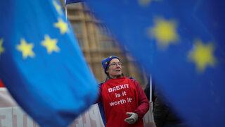 Още бъркотия - британците може да се окажат принудени да гласуват за евродепутати