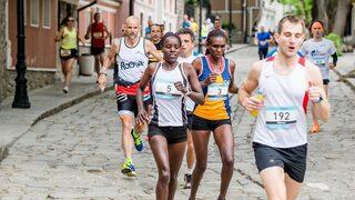Фотогалерия: На бегом под тепетата - най-доброто от маратона в Пловдив