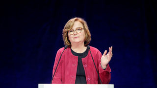 Групата на Макрон има амбиция за 100-членен съюз с решаваща роля в европарламента