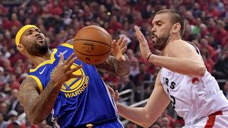 """Съкрушителна трета част спря """"<span class=""""highlight"""">Торонто</span>"""" срещу """"Голдън стейт"""" във финала в НБА (видео)"""