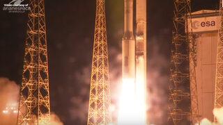 Видео: Ракета на Arianaspace падна с шпионски спътник на ОАЕ