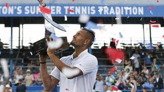"""Видео: Кулминацията на седмицата, в която на Кириос му се играеше <span class=""""highlight"""">тенис</span>"""
