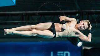 Видео: 13-годишен украинец стана най-младият европейски шампион в скоковете във вода