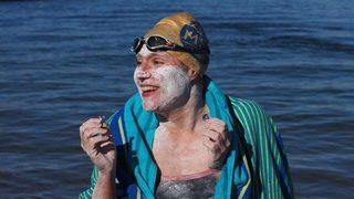 Победа на волята на издръжливостта: американка преплува Ламанша четири пъти поред