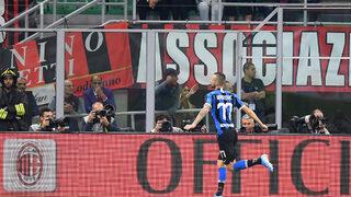 Снимка на деня: Черно-синият триумф в дербито на Милано