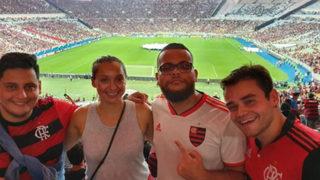 Футболен фен на пълен работен ден: как жена напусна работа, за да гледа мачове