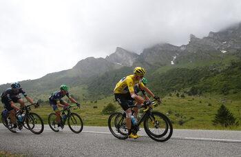 """Крис Фрум докосва победата в """"Тур дьо Франс"""" етап преди края"""