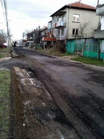 Община Ловеч обяснява защо е махнала пътна настилка, сложена при посещение на министър