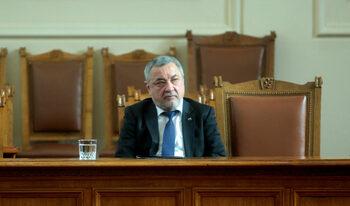 С оставката на Димитрова се саботира социалното министерство, смята Валери Симеонов