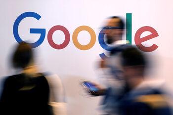 Евродепутати одобриха оспорвана от интернет гигантите директива за авторското право