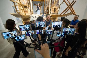 Снимка на деня: На живо по китайски