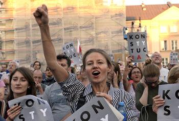 Полша ще бъде отстранена от европейска мрежа заради спорната съдебна реформа