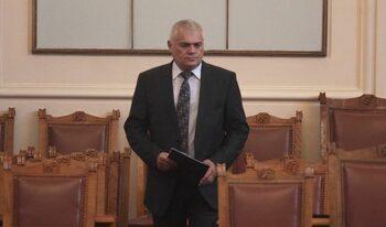 Влентин Радев препоръча на наследника си да се съсредоточи върху развитието на кадрите в МВР