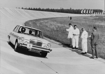Автономните автомобили станаха на 50 години (видео)