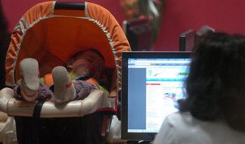 Работодателите искат отпускът за майчинство да не се зачита за трудов стаж