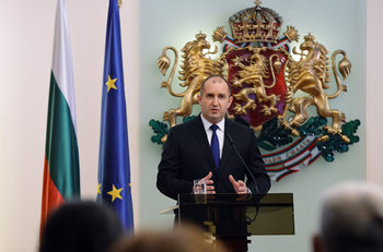 Президентът Радев ще има аудиенция при кралица Елизабет Втора