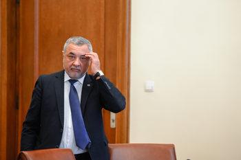 """Телевизията на """"Атака"""" започна да излъчва обвинения на Сидеров срещу Симеонов"""