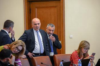 Правителството не трябва да прави глупости под натиск, смята Горанов по повод приети днес текстове