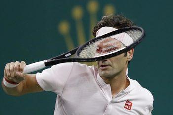 Федерер показа колебания, но започна с победа защитата на титлата в Базел