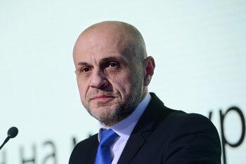 Няма да има нови назначения заради Агенцията за пътна безопасност, увери Томислав Дончев