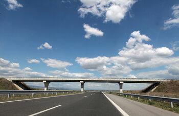 Наредба предвижда допълнително заплащане за минаване по тунели, мостове и проходи