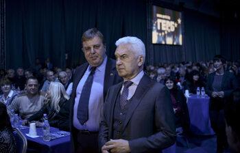 Волен Сидеров поиска оставката и на Красимир Каракачанов