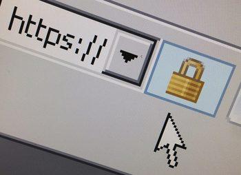 Хакери откраднаха данни на французи от сайт на външното министерство