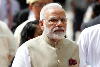 Социалните мрежи се готвят за борба със строги мерки, предложени от Индия