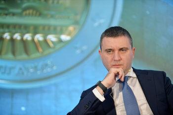 Горанов не изключва да се удължи срокът за смяна на касовите апарати