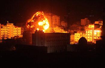 Израел и Хамас сключиха примирие след разменени удари
