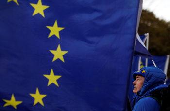 Гражданите на ЕС във Великобритания могат да изпаднат в правна несигурност след Брекзит