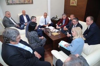 След среща на Борисов с превозвачите въвеждането на тол системата се отлага