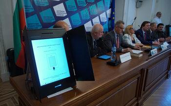 Изборните комисии няма да правят контролно броене при машинното гласуване
