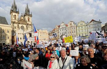Хиляди чехи отново поискаха оставката на премиера, голям протест се готви за 23 юни
