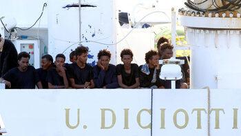 Италия ще глобява кораби с мигранти, които влизат в нейни води