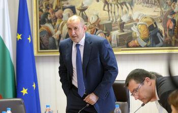 Румен Радев не смята, че е надхвърлил правомощията си с инициативите за нов главен прокурор