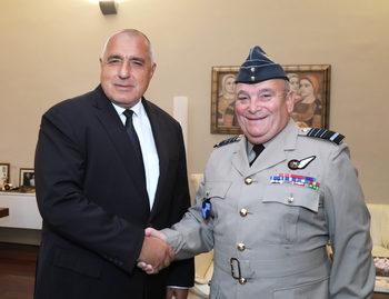 Борисов увери НАТО, че България изпълнява поетия ангажимент за инвестиции в отбраната