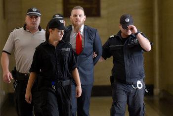 Съдии нарекоха произвол задържането на Полфрийман до ново произнасяне по делото му