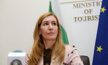 Фактите и цифрите показват, че си вършим добре работата, смята министър Ангелкова