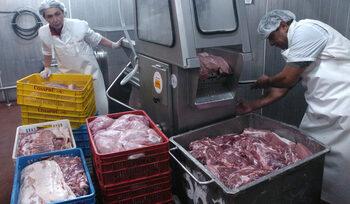 Вносът и износът на храни и живи животни за трети страни расте