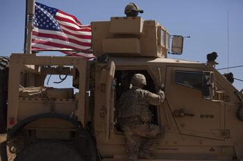По-силна Русия, повече рискове - изтеглянето на САЩ променя Сирия