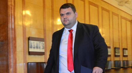 Американският адвокат на Пеевски: Експeдитивно ще отговорим на...