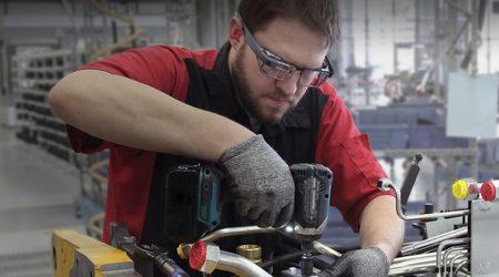 Google Glass се завръща – този път като инструмент в производството