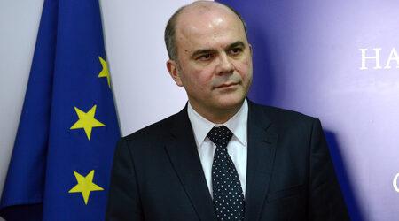 Бисер Петков обяви готовност да преговаря за отпадане на осигурителните прагове